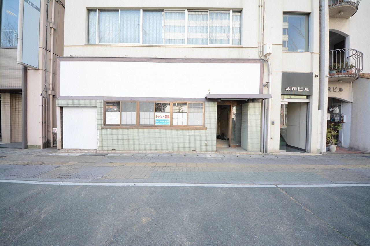 田町商店街のすぐ東