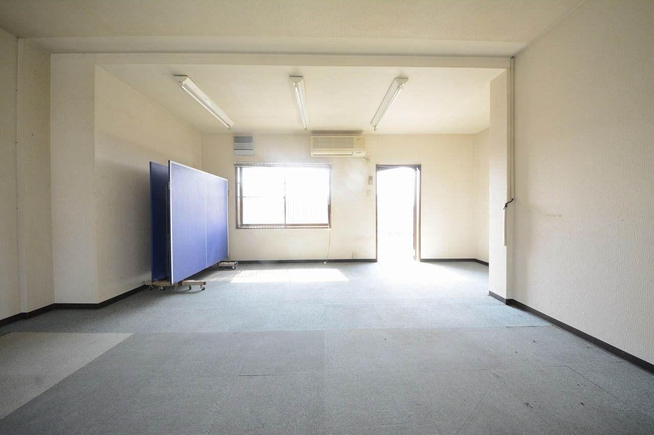空港通りにあり、高松空港まで自動車で約11分!15坪の事務所、店舗です。