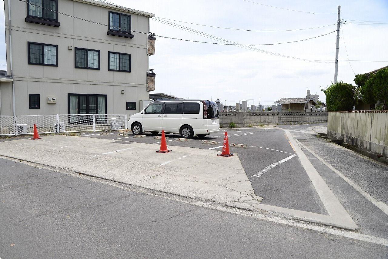 高松市一宮町の小中学校がすぐそばにある売土地です。