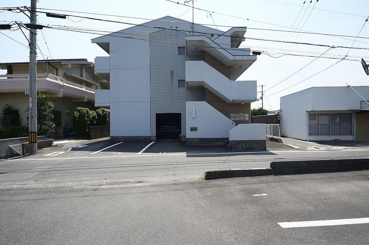さぬき浜街道まで150mの24時間営業のスーパーも近い賃貸アパート