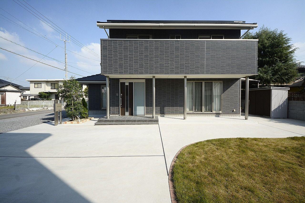 築3年、新築を思わせる5LDK、バーベキューもできる広いお庭のお住まい。
