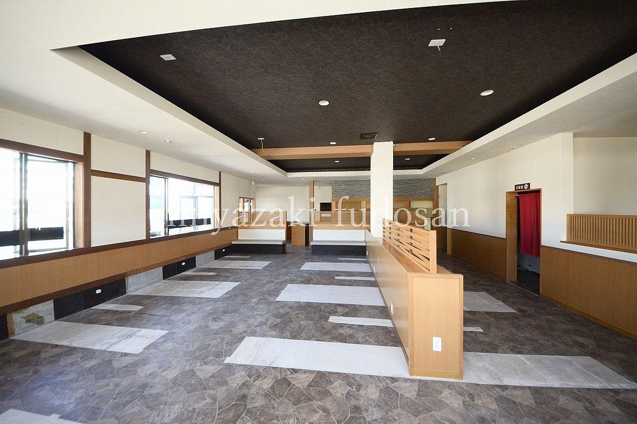 東かがわ市湊・事務所、店舗・国道11号線沿い・約54.64坪の店舗・みやざき不動産