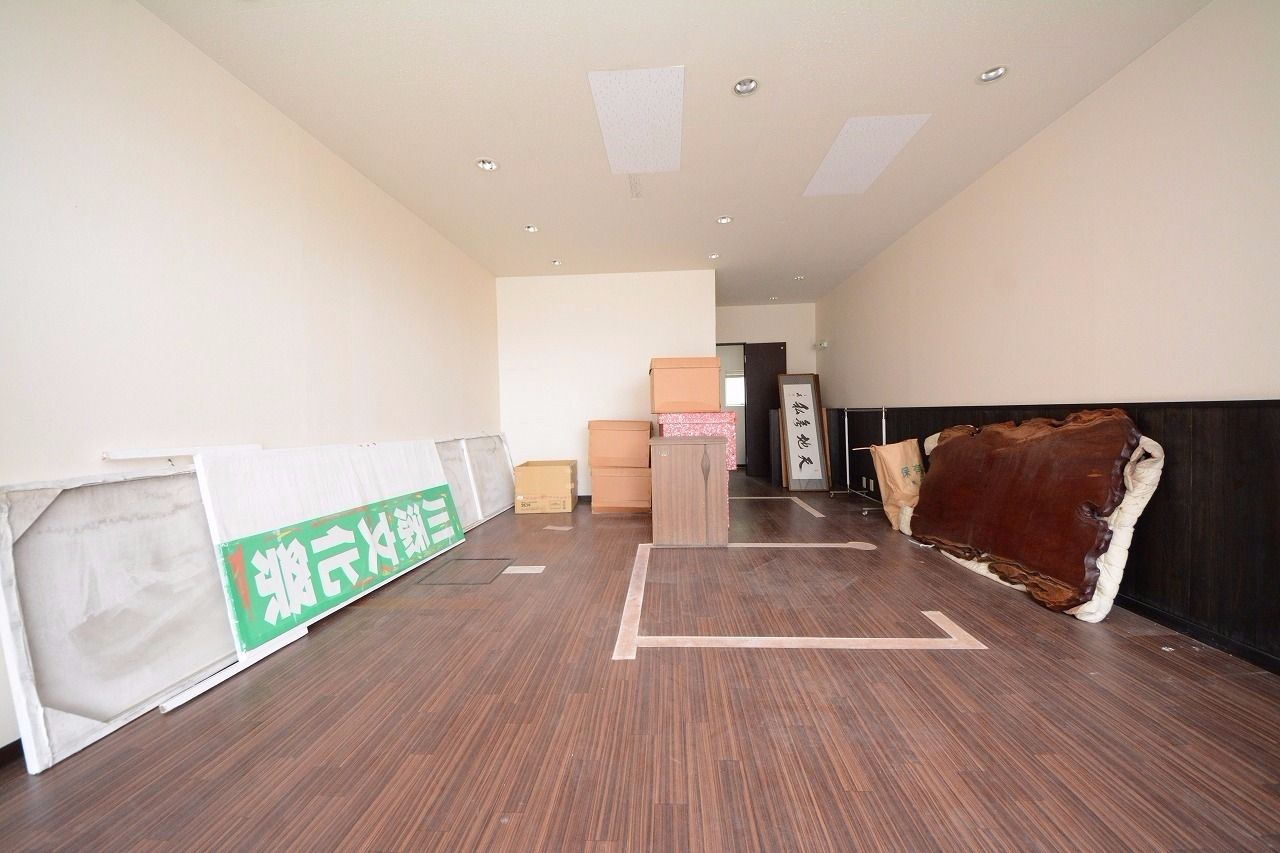 美容室・エステなど、東山崎町・長尾街道沿い!
