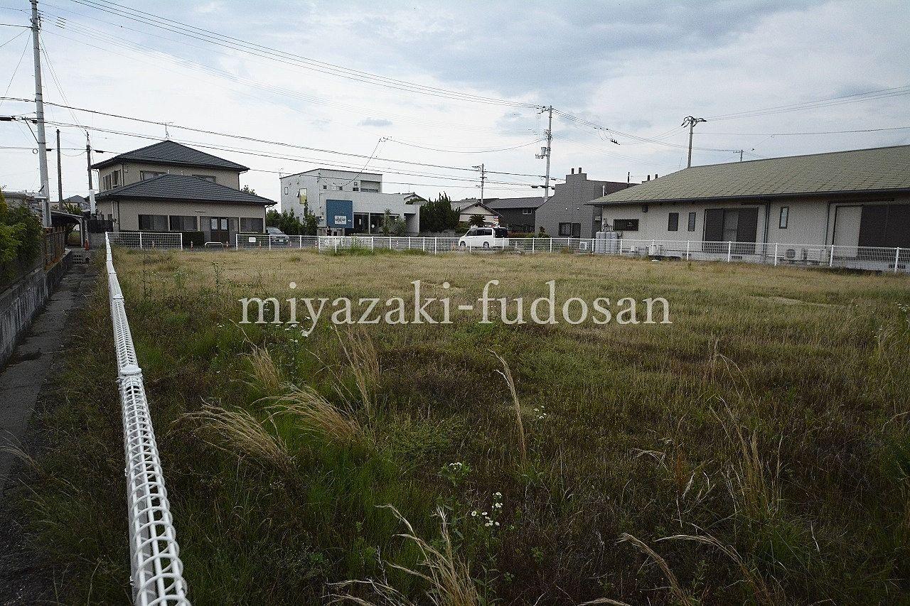 価格改定!下田井町、広大な600坪の敷地にバリアフリーの戸建て、喫茶店の店舗があります。