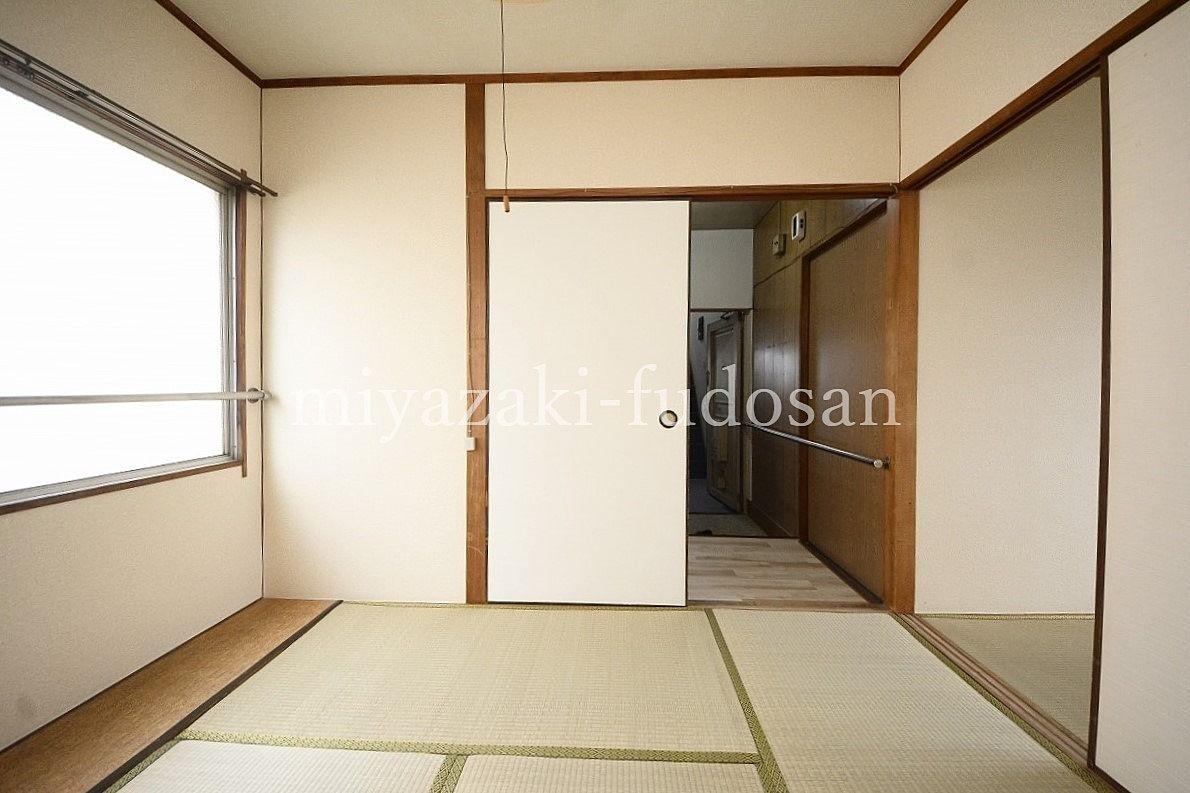 瓦町駅まで徒歩4分、昭和の雰囲気が残るアパートです!
