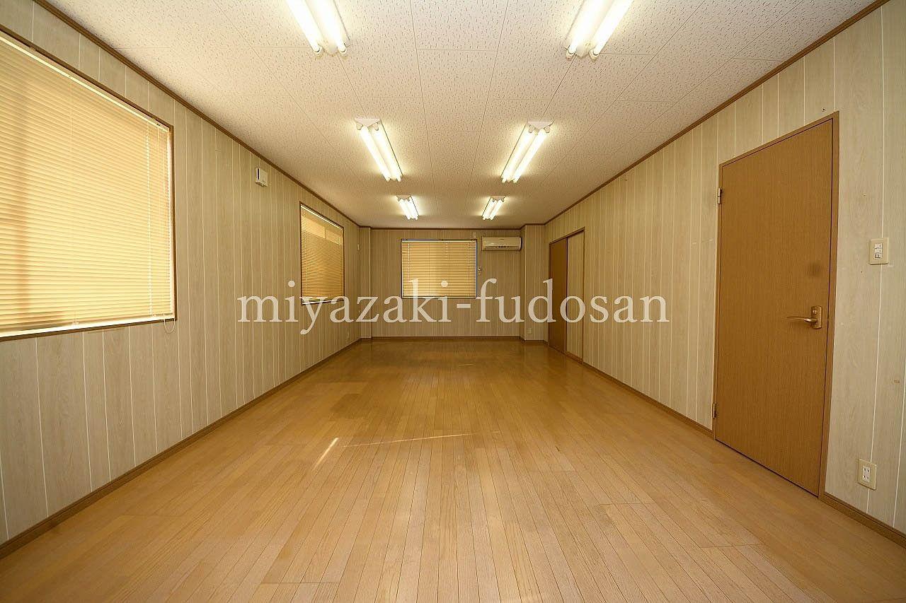 香川町大野、電気水道代は賃料込みの店舗。