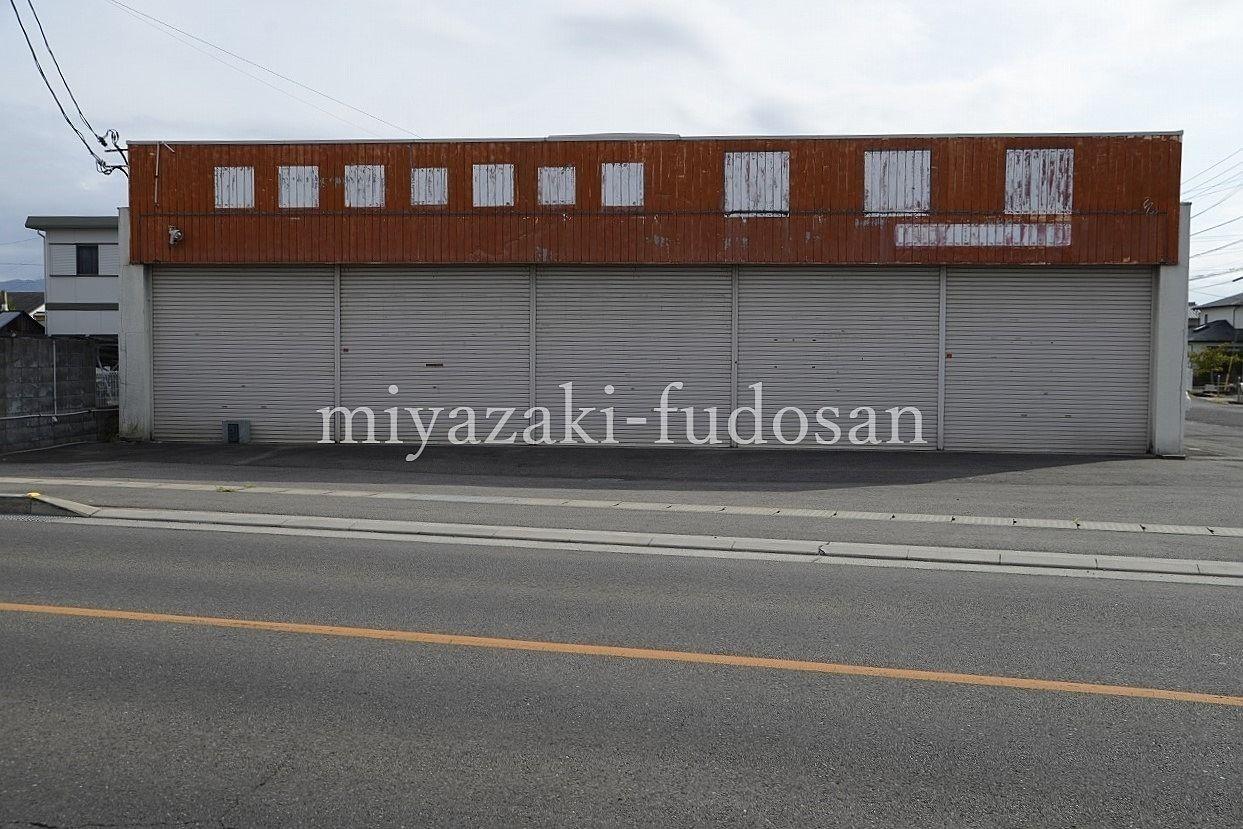 高松市前田東町の95坪の倉庫。