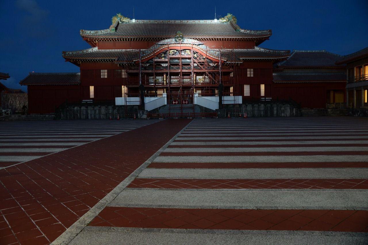 沖縄県・首里城ライトアップ