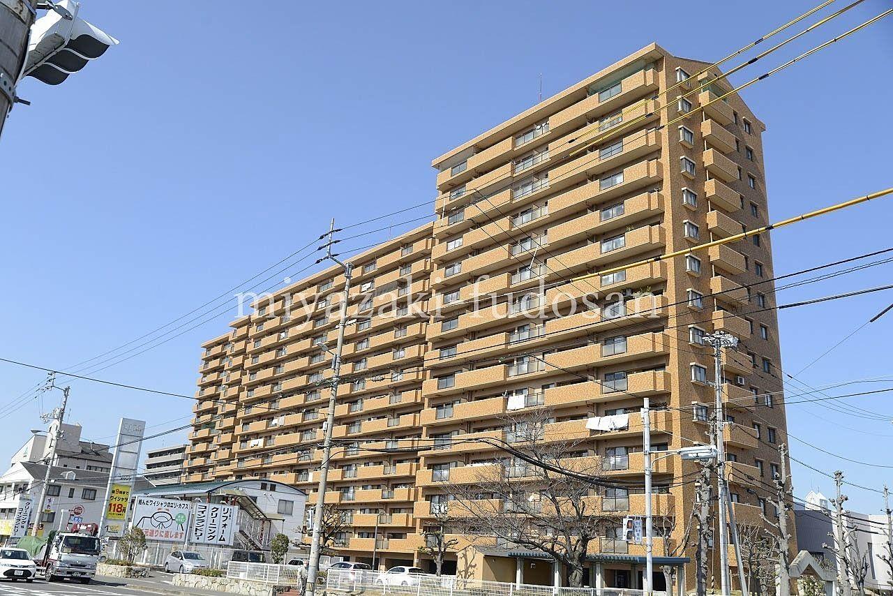 高松市茜町にある13階の南向き、3LDKのマンション
